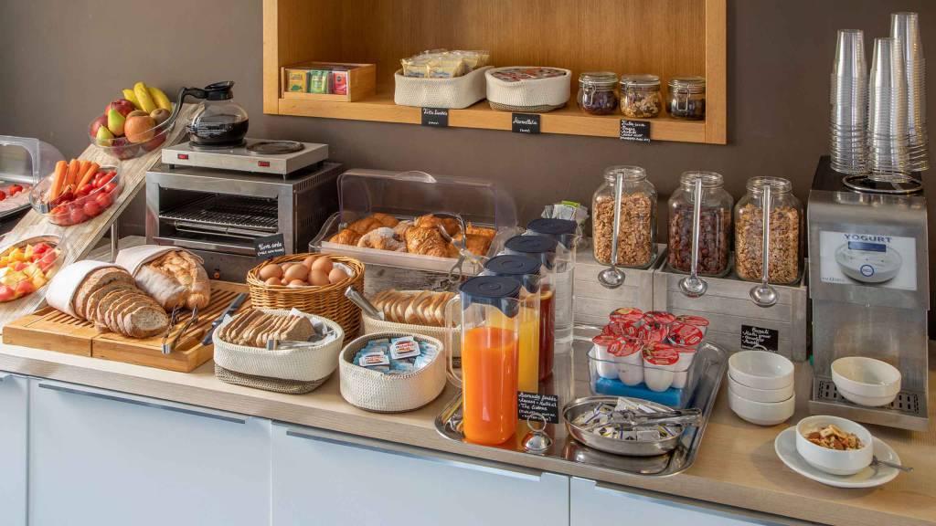 Hotel-La-Scaletta-Ostia-breakfast-3