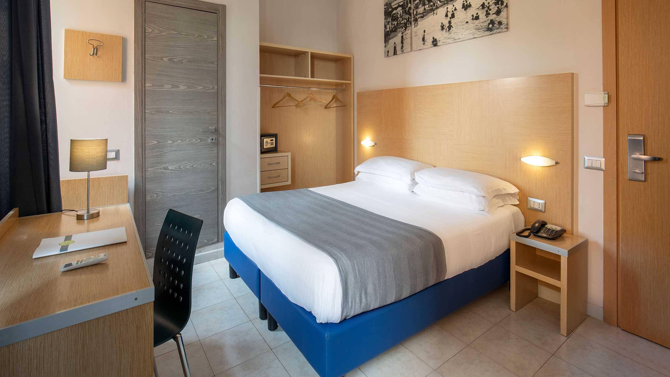 Hotel-La-Scaletta-Ostia-Camera-Doppia-9